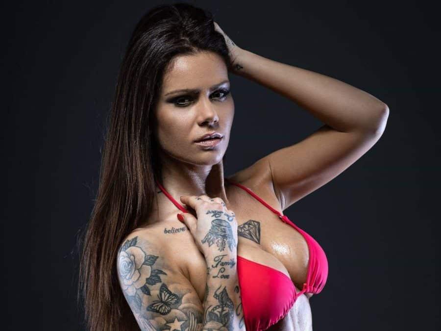 live-strip.com-camgirl-tattoo